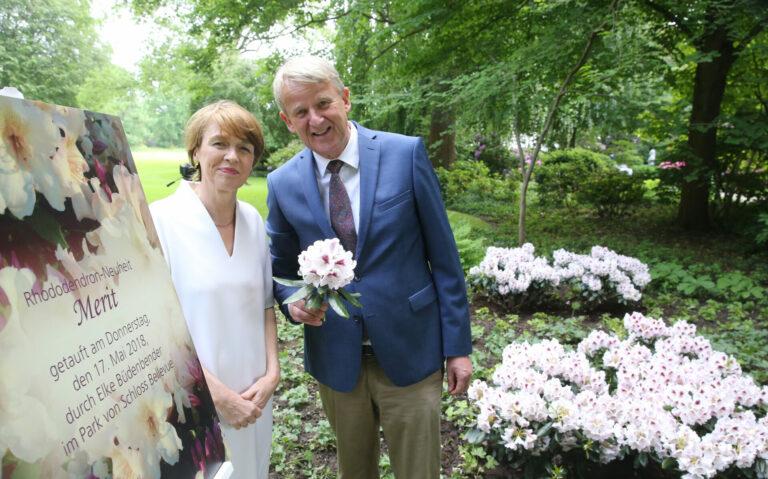 Rhododendrontaufe in Berlin im Garten des Bundespräsidenten mit Elke Büdenbender